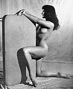 bettie_page_bpnudeseries073.jpg